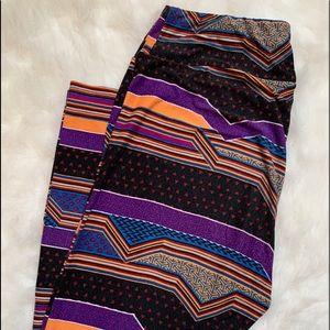 Lularoe leggings geometric pattern tall & curvy